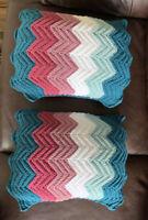 Set Of 2 Sweater Knit Retro Chevron Pattern Turquoise Pink White Deco Pillows