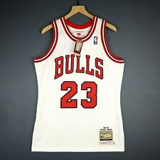 100% Authentic Michael Jordan Mitchell & Ness 95 96 Bulls Jersey Size 40 M Mens