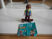 Playmobil Figures Serie 2 Boy on Skateboard (playmobil nr: 5157)