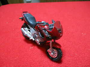 Maisto Yamaha TDM Twin 850 Motorcycle 1:18 Scale Die Cast Loose
