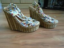 STUNNING River Island High Floral Wedges Size 4 - Worn Once