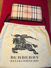 Authentic Burberry brand NWT Ziggy large Zip around wallet