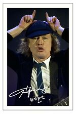 ANGUS YOUNG SIGNED PHOTO PRINT AUTOGRAPH AC/DC