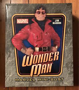 Bowen WONDER MAN Mini-Bust Classic 80s Red Jacket Version Avengers Marvel