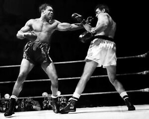 ROCKY MARCIANO vs ARCHIE MOORE 8X10 PHOTO BOXING PICTURE RING ACTION