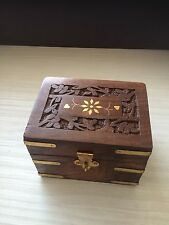 AROMATHERAPY BOX CARVED WOODEN BRASS DETAIL FOR 6 ESSENTIAL OILS Storage .