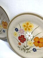 2 COUNTRY LIVING STONEWARE DINNER  PLATES  ''LINDA'' COLORFUL FLOWERS 10 5/8''