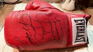 FLOYD MAYWEATHER - JUAN MANUEL MARQUEZ Hand-Signed Boxing Glove!