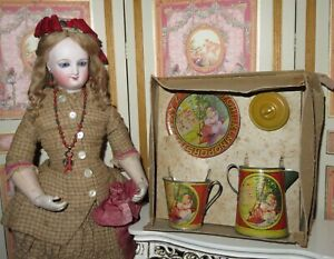 CHARMING ANTIQUE TIN LITHOGRAPH DOLL'S TEA SET FOR ONE IN ORIGINAL BOX!