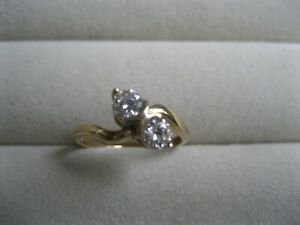 Vintage G Ltd Designer 9ct 375 Yellow Gold Cubic Zirconia Two Stone Ring 1.7g