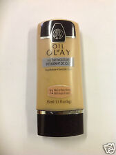 Oil of Olay Shine Control Foundation Med.To Deep Honey #72 NEW.