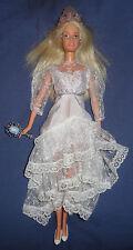 Barbie mariée avec sa robe et accessoires de mariage