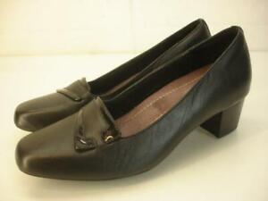 Clarks Women's sz 6 W Wide Levee Delta Pumps Shoes Black Leather Low Block Heels
