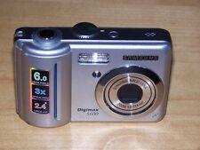 Samsung Digimax S600 6.0MP Digital Camera - Silver