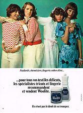 PUBLICITE  1972   WOOLITE  lessive lingerie