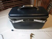 Vintage Samsonite Silhouette blue Train Luggage Mirror Makeup Travel Case Key