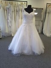 V Neck Ball Gown/Duchess Cap Sleeve Wedding Dresses