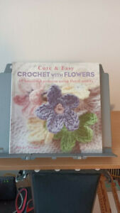 Cute and Easy Crochet With Flowers Book Nicki Trench 35 Projects Patterns