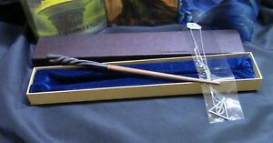 Harry Potter - Neville Longbottom Wand w/ FREE Deathly Hallow Necklace