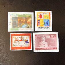Lot de 4 timbres de Hongrie années diverses - encore sur fragment L17