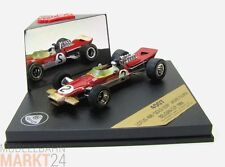 Quartzo 4007 Lotus 49b Golden Leaf de 1968 en rojo modelo en escala 1:43 - Embalaje original