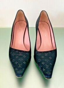 Women's Louis Vuitton Black Suede Court Shoes UK 6 / EU 39