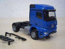 Herpa - MB Arocs M 4x4 Allrad-Zugmaschine - blau (FG schwarz) - 1:87