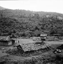 Route PAHLEVI - TÉHÉRAN c. 1960 - Village Cabanes - Négatif 6 x 6 - IRAN 107