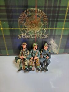 KING & COUNTRY (WS53) SITTING SERGEANT & 2 RIFLEMEN Mint in box HTF!