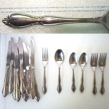 Oneida Deluxe Stainless Flatware HERITAGE Strathmore Royal York 26 Pieces SET