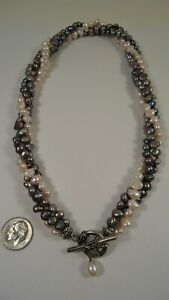 Lee Sands Wacky Friday 3 str. Cultured Freshwater Pearl Toggle Necklace VINTAGE