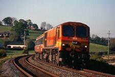 PHOTO  IRISH RAIL 201 CLASS DIESEL LOCOMOTIVE NO. 203 AT KNOCKARNEY CROSSING - 1