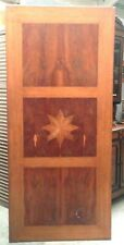 plateau de table en placage noyer comportant marqueterie en étoile . XX siècle .