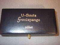 Etui für U-Boot Frontspange in Silber, blaues Etui mit Aufdruck Deutsch 2WK