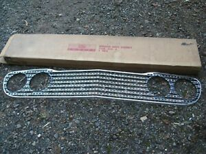 1960  Ford Fairlane Galaxie 500 Sunliner Starliner Grille NOS Original