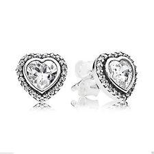 Authentic Pandora 925Silver 290568CZ Sparkling Love Heart Stud Earrings