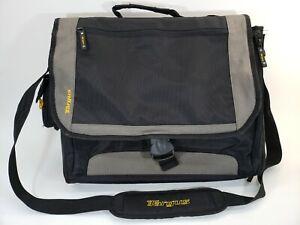 Targus Large Laptop Messenger Bag with Shoulder Strap 17 inch