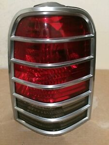 2005,2006,2007 MERCURY MARINER PASSENGER RH SIDE TAIL LIGHT OEM