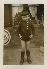PHOTO ANCIENNE - VINTAGE SNAPSHOT - ENFANT MODE BOTTES - CHILD FASHION