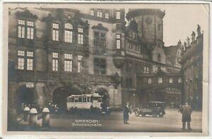Ansichtskarte Dresden - Blick auf den Schlossplatz mit Autos/Passanten 1928