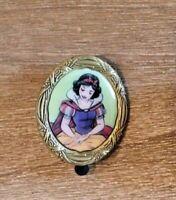 disney trading pin Snow White princess frame art limited edition store portrait