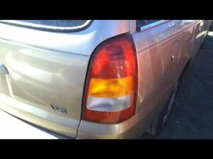 2000 Saturn Lw2 STD Tail Lamp 16071348