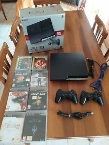 PlayStation 3 Slim 320 GB + 2 Joypad + 8 Giochi PAL ITA