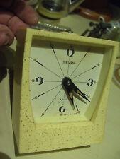 VINTAGE ART DECO RUSSIAN CLOCK SEVANI  pendule horloge reveil URSS 60's bakelite