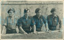 More details for ww2 south wales borderers group 4 soldiers behind wall photo