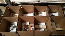 Electronic components grab box