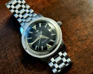 ZODIAC SEAWOLF MILITARY DATE 722-916 SWISS MENS Vintage WATCH and Band