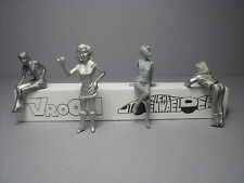 4  FIGURINES 1/43  SET 300  LES  BEAUX  CHASSIS  VROOM  A  PEINDRE  UNPAINTED