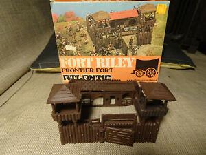 1/72 HO  ATLANTIC 1051 Fort Riley