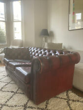 STUNNING CHESTERFIELD THREE  SEATER SOFA SETTEE IN RED OXBLOOD PU LEATHER
